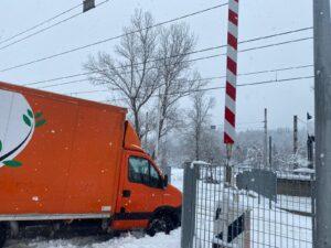 Autocarro bloccato in un passaggio a livello a Tagliacozzo