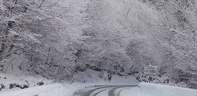 Pericolo valanghe: chiusa di nuovo la strada regionale 509 di Forca d'Acero