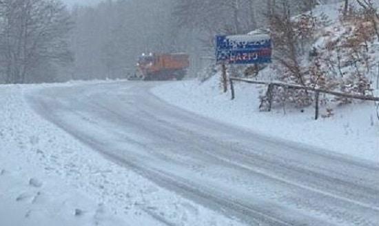 SR 590 di Forca d'Acero ancora chiusa per neve
