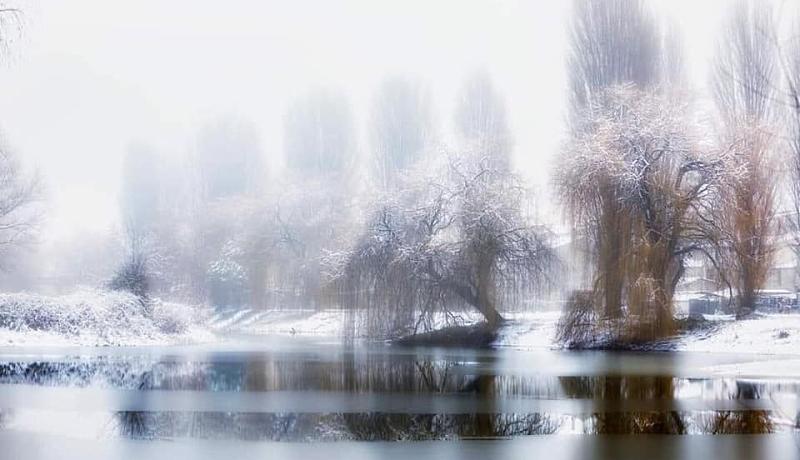 L'incantevole bellezza del laghetto di Ortucchio ghiacciato