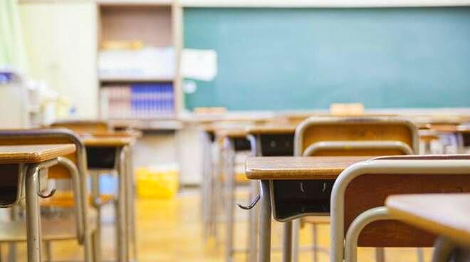 """Riapertura delle scuole in Abruzzo. Di Benedetto: """"ritengo più prudente attendere un paio di settimane"""""""