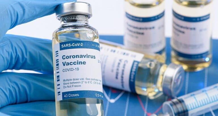 Piattaforma vaccini anti Covid, non è più obbligatorio inserire il numero di tessera sanitaria