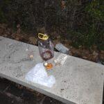 Vandali in azione a piazza Torlonia, secchi danneggiati e rifiuti sulle panchine