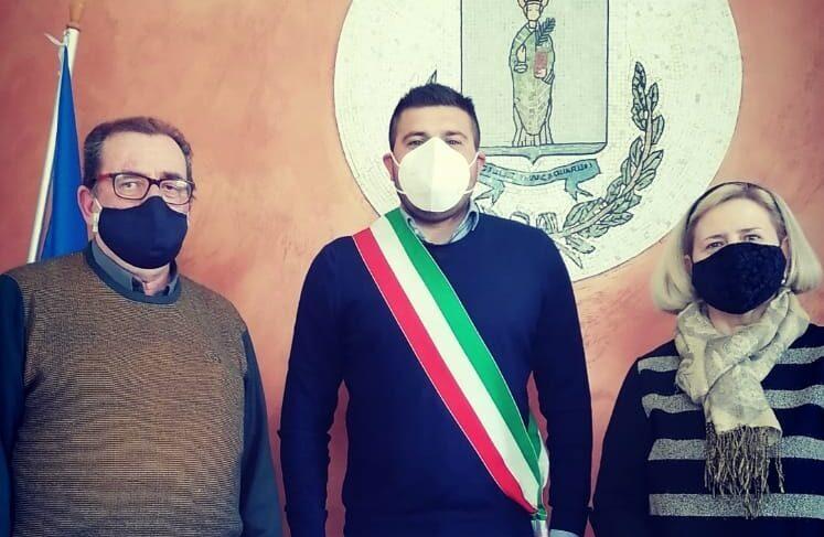 Mario Aureli il sindaco Cesidio Lobene e Fabiana Courrierr