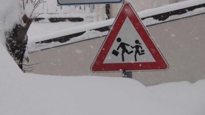 Neve e ghiaccio, scuole chiuse a Pescina