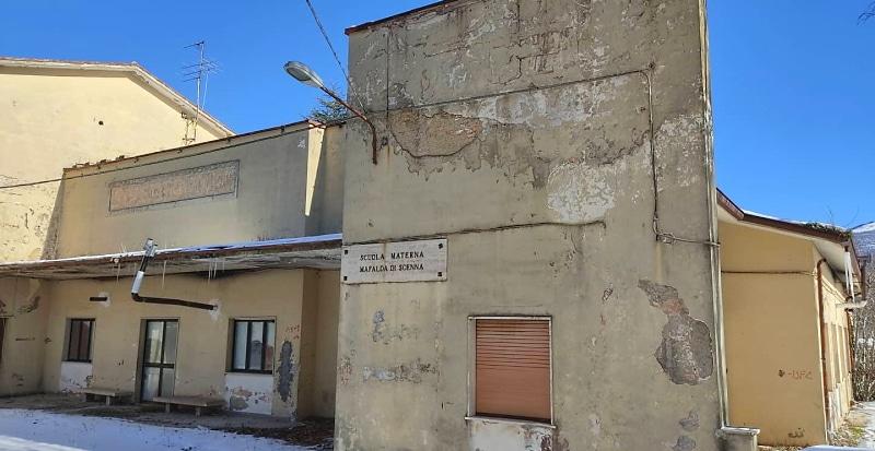 L'ex scuola materna di Collelongo sarà demolita per far posto a una nuova struttura