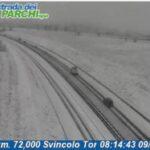 E' tornata la neve in Abruzzo, codice rosso sulla A25