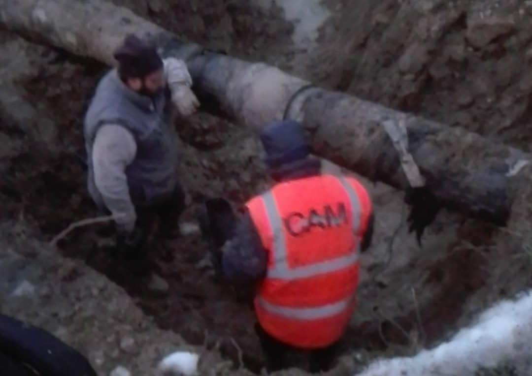 Ingente perdita idrica a Tremonti, tecnici del CAM a lavoro