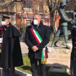 L'amministrazione di Avezzano omaggia il Questore Palatucci con una targa posta stamattina a Piazza Corbi
