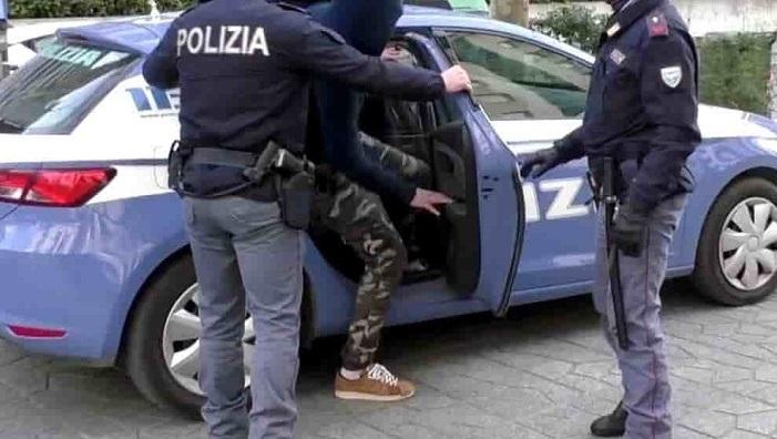 Aggressione a due agenti in pieno centro ad Avezzano