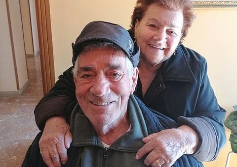 Armando, 91 anni, e Marietta, 90 anni, di Sante Marie felici di essersi vaccinati contro il Covid
