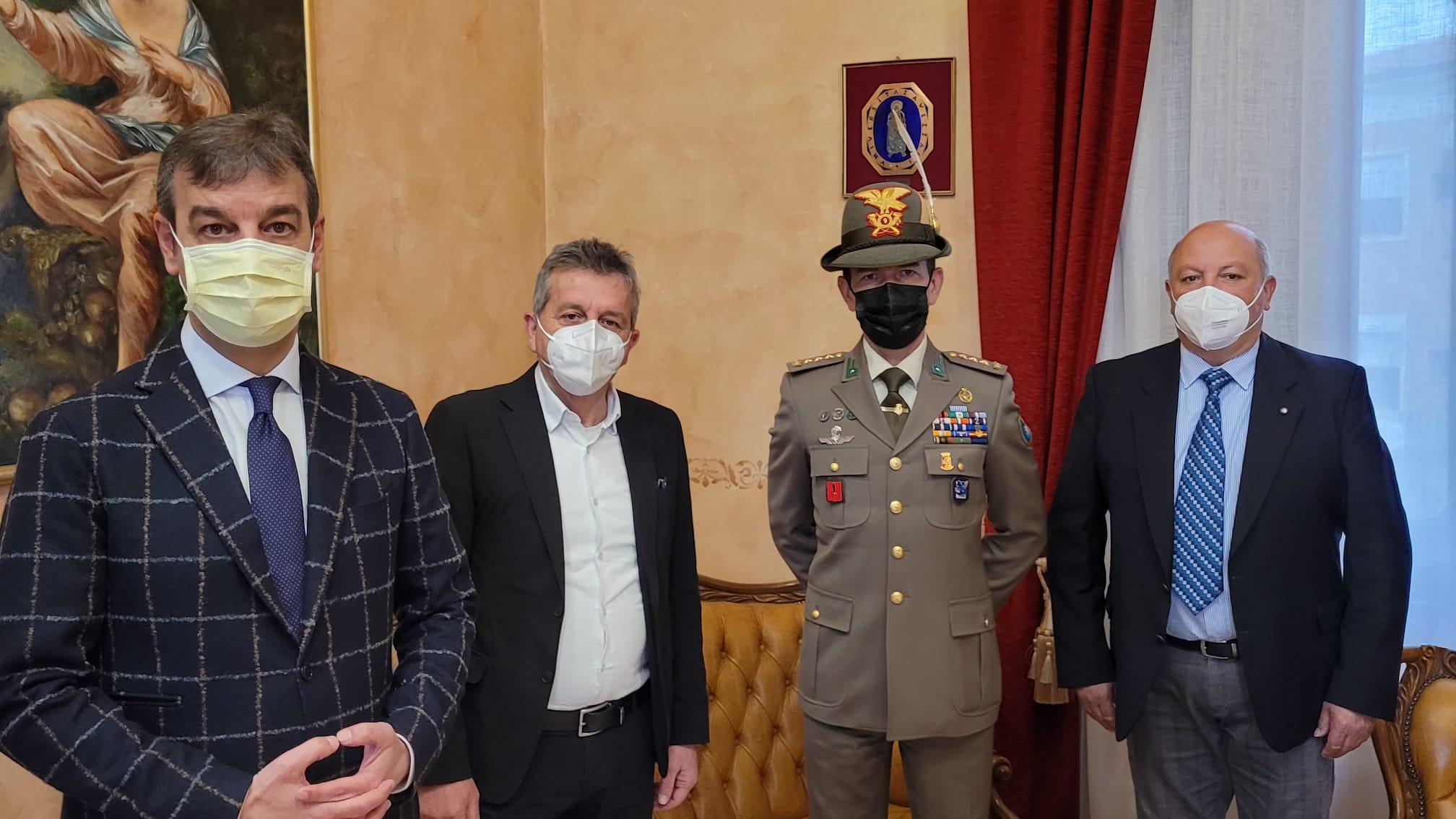 immagine sindaco di Avezzano,Giovanni di Pangrazio incontra Comandante del IX reggimento alpini