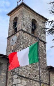Tagliacozzo, Nazione Futura issa il Tricolore sul Monumento ai Caduti di Sorbo nel 160° anniversario dell'Unità d'Italia