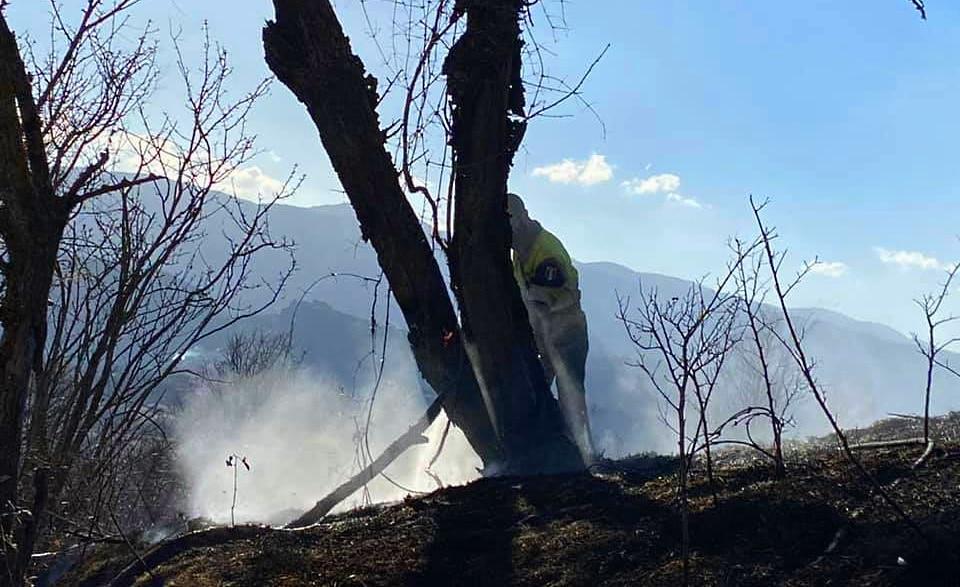 La Protezione Civile di Tagliacozzo interviene per spegnere un principio di incendio