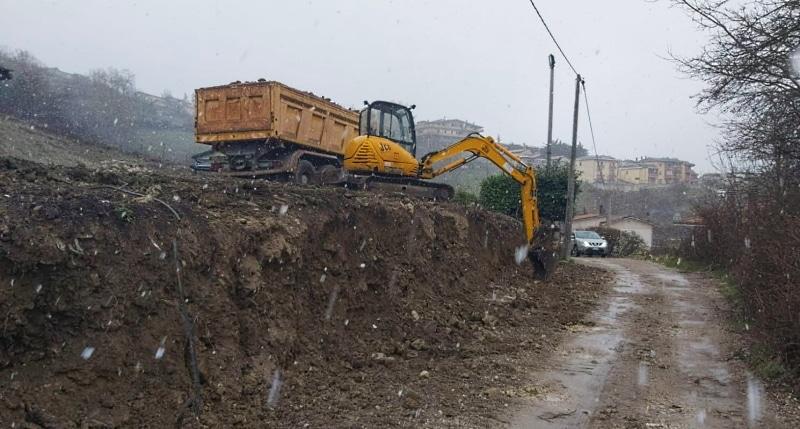 Partiti i lavori di sistemazione di via San Benedetto a Castellafiume