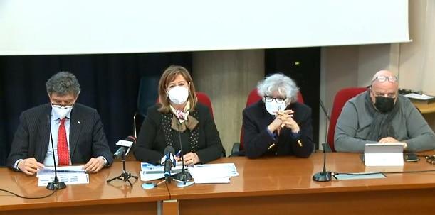 """Piano vaccinale per l'Abruzzo. Marsilio: """"immunità di gregge entro settembre"""""""