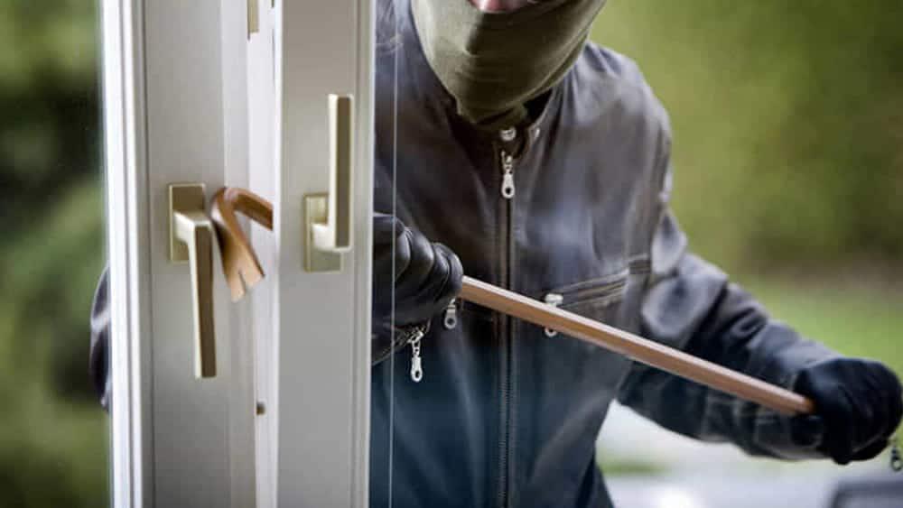 Ruba in un'abitazione della zona nord di Avezzano e viola obbligo di dimora, 45enne finisce agli arresti domiciliari