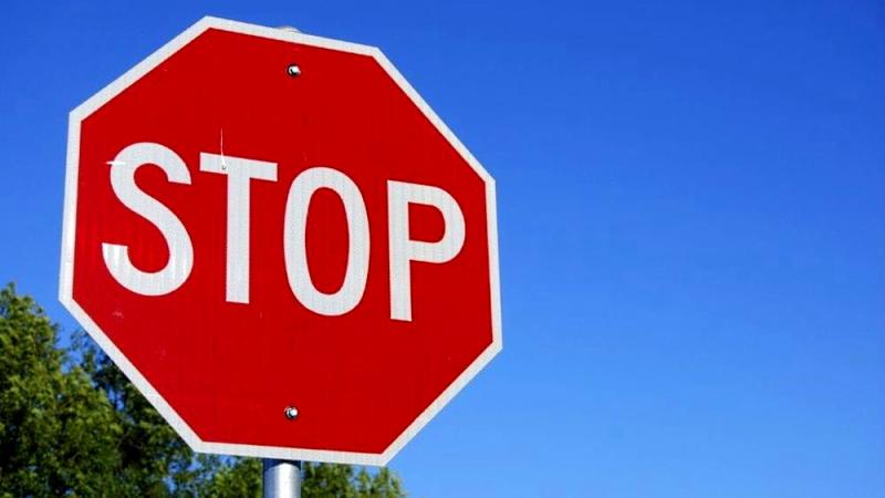 Nuovo obbligo di Stop su Via Santa Maria delle Case all'incrocio con Via Verrazzano a San Pelino