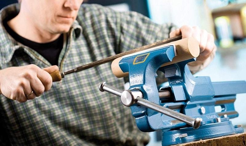 Il restauro di utensili e vecchie attrezzature artigianali