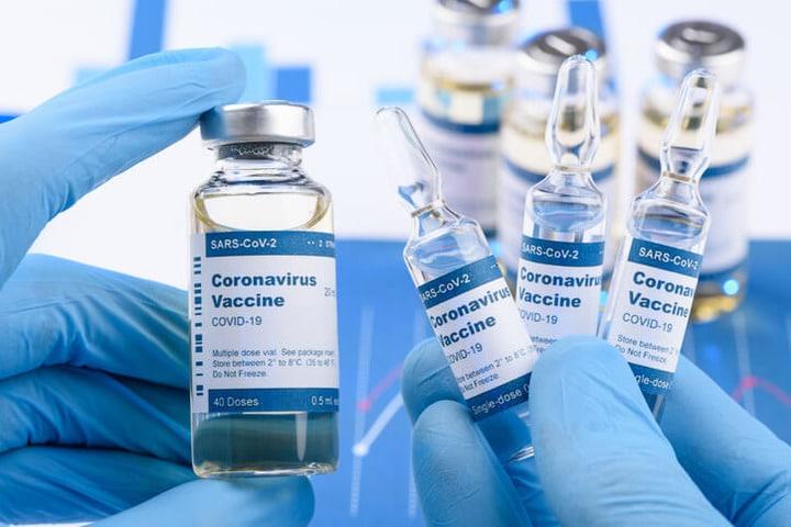 Vaccini Covid-19, attiva da oggi la piattaforma per manifestazioni di interesse over 70 nati tra il 1942 e il 1946