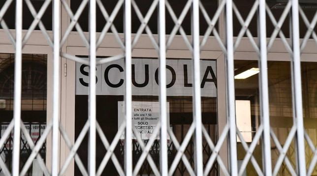 """Avezzano: alunni positivi al covid, il sindaco chiude la scuola """"Cianciusi"""""""