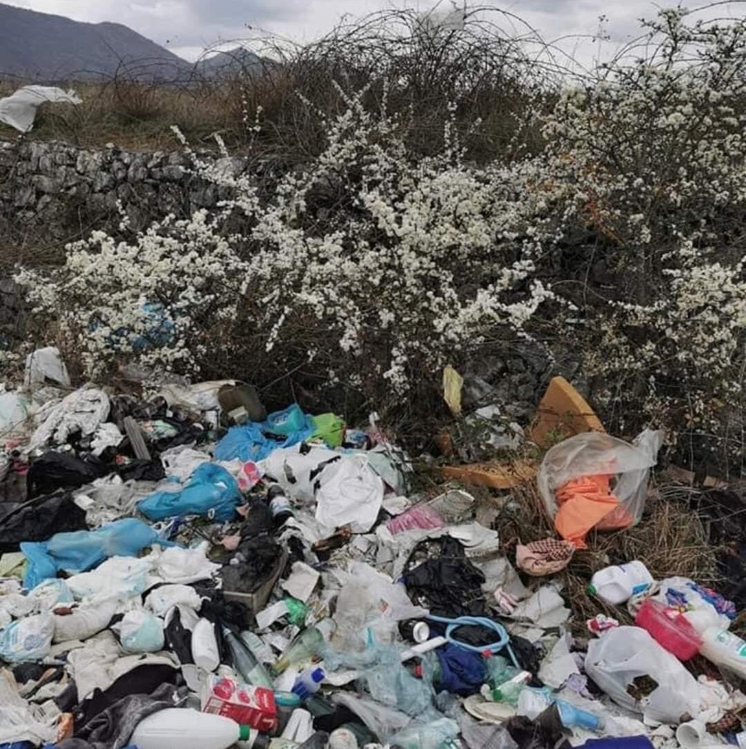 I bellissimi Piani Palentini deturpati dalle discariche abusive