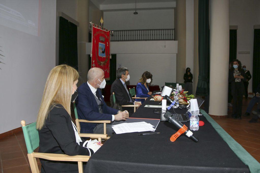 Il Presidente Marsilio battezza il raddoppio della SS690, padrino d'eccezione, l'ingegner Marasco, responsabile ANAS per Abruzzo e Molise, che però non prevede di prendersi in carico la SR82