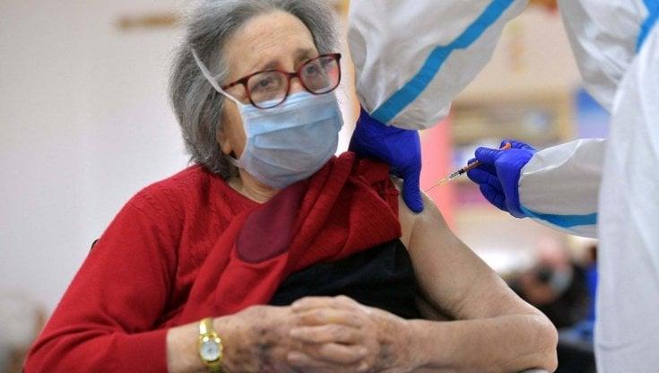 Il Commissario Figliuolo firma in serata l'Ordinanza n. 6 che ridefinisce le priorità per la campagna vaccinale
