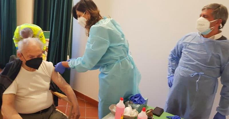 Campagna vaccinale anti-Covid 19 a Balsorano e San Vincenzo Valle Roveto il 13 aprile