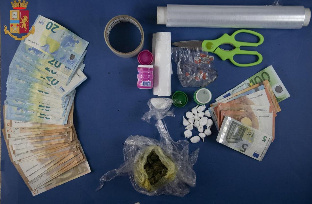 Trovati con 18 dosi di cocaina in auto: due arresti a L'Aquila