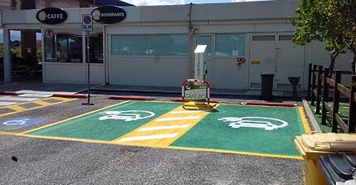 Installate colonnine per ricarica veicoli elettrici nelle aree di servizio Montevelino nei pressi di Magliano de' Marsi