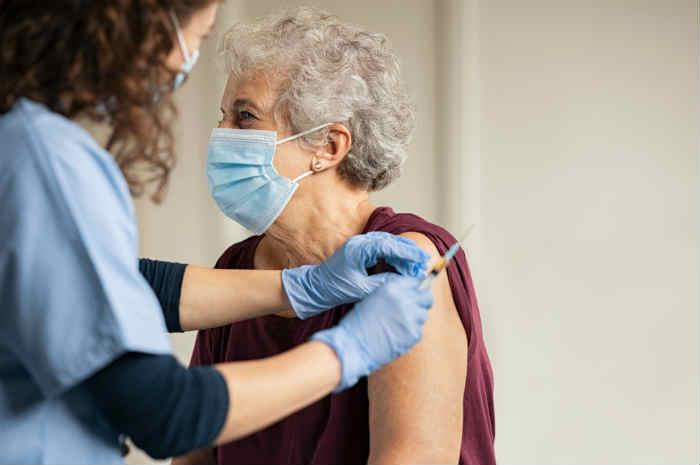 Commissario Figliuolo alle Regioni: non estendere le prenotazioni vaccini a soggetti di età inferiore a 60 anni