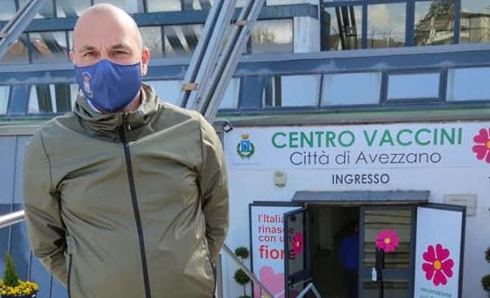 """Hub vaccinali di Avezzano: sopralluogo di Genovesi dopo le segnalazioni arrivate su """"riservisti"""""""