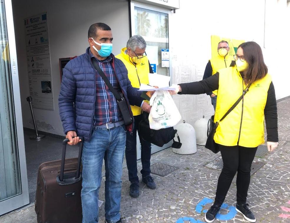 Sbarcati oggi a Pescara i marocchini per salvare le produzioni del Fucino