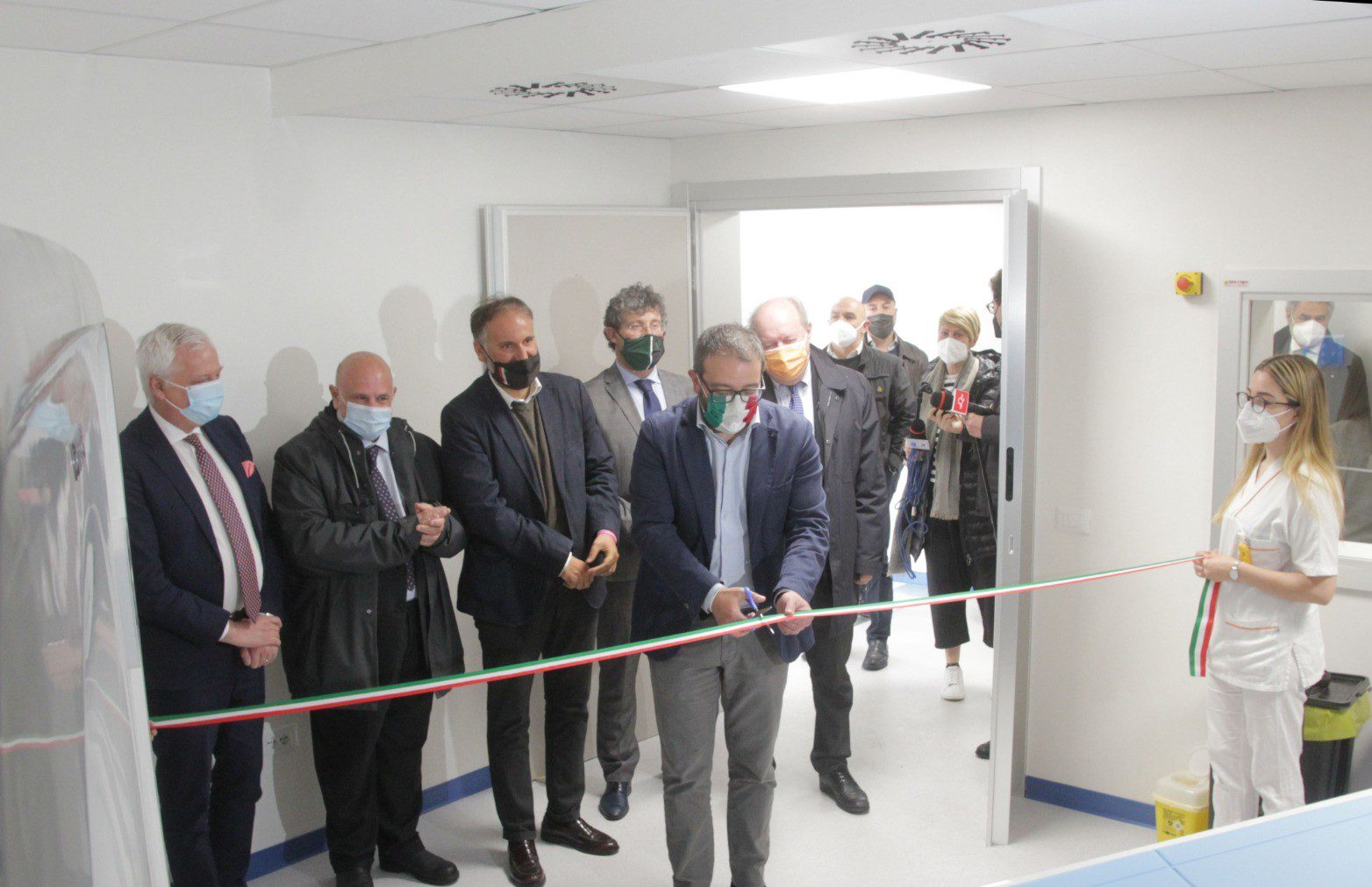 L'Aquila, inaugurata la nuova tac anti covid con programmi di intelligenza artificiale