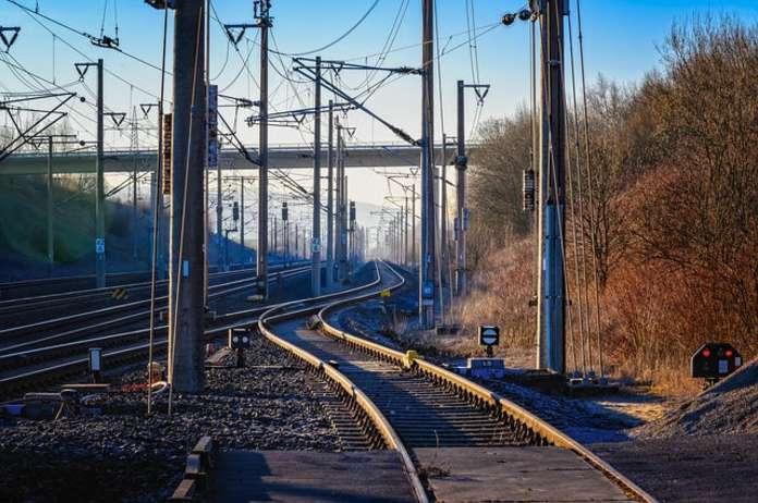 Ferrovia Veloce, botta e risposta fra il deputato di Italia Viva, D'Alessandro e il sottosegretario alle infrastrutture della Regione Abruzzo D'Annutiis