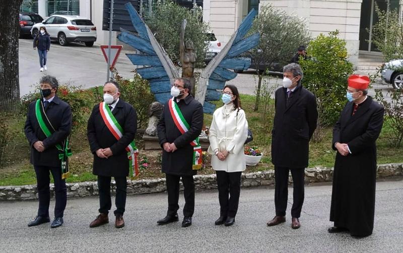 Celebrazione per le vittime del terremoto dell'Aquila. Marsilio: