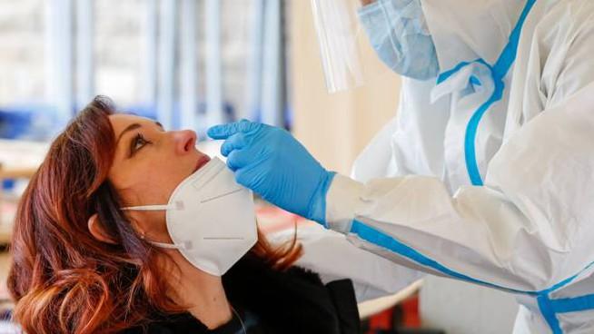 Test anti-covid a 122 maturandi di Avezzano: tutti negativi