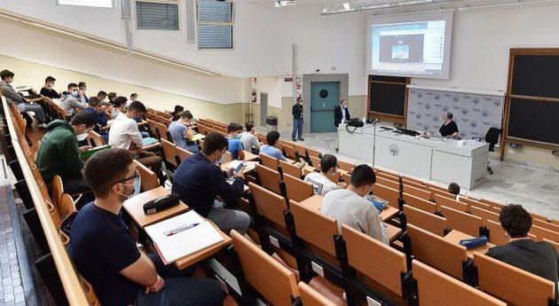 Borse di studio universitarie: previsto incremento finanziario di 4,1 milioni di euro da parte della Regione Abruzzo