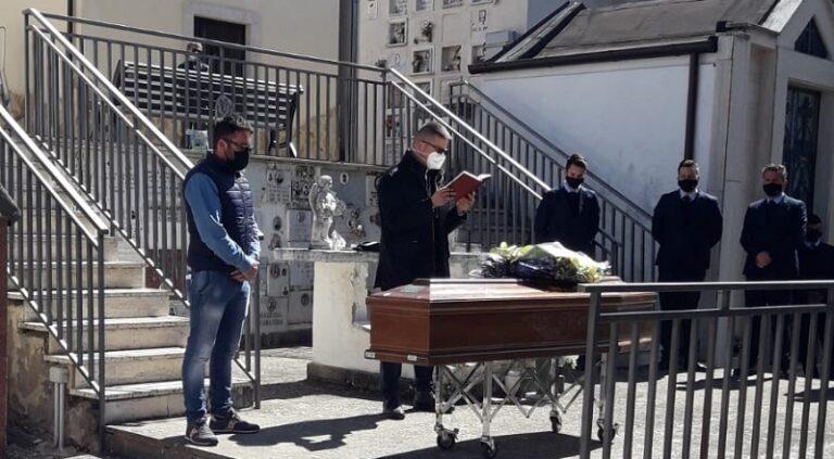 La salma di Giovanni Maccallini è stata tumulata nella cappella di famiglia al cimitero di Aielli