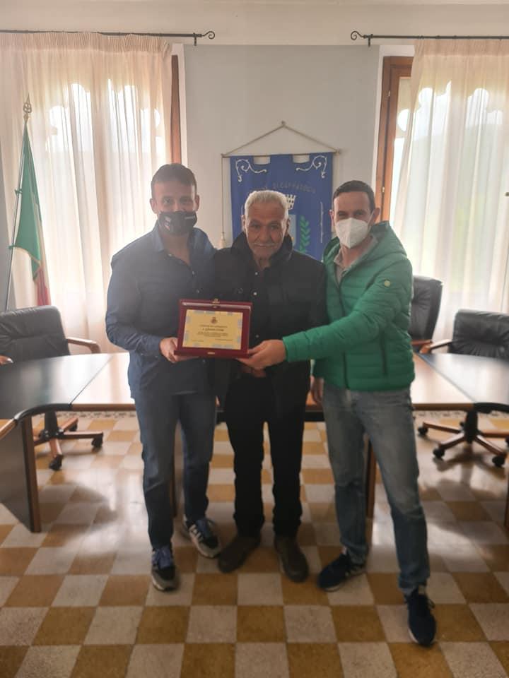 Paolo Ronci e Gerardo Coletta, due dipendenti storici del Comune di Cappadocia, son andati in pensione. I ringraziamenti del Sindaco Lorenzin