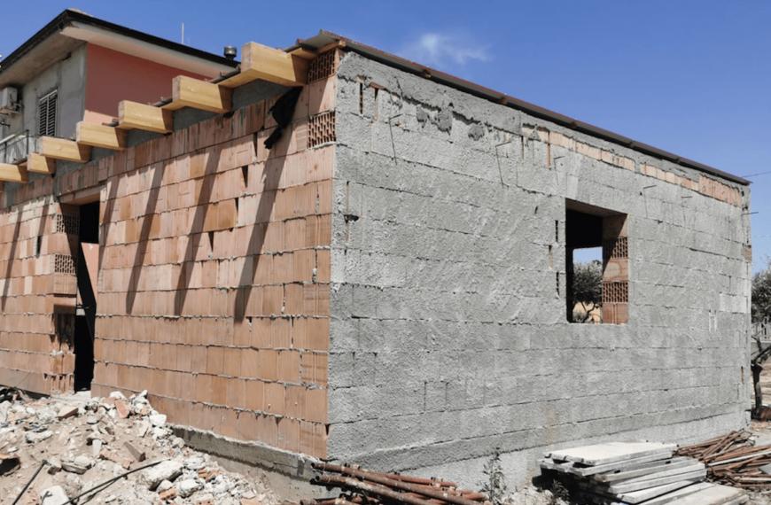 Costruisce un edificio abusivo e vìola ripetutamente i sigilli. Arrestato dalla Polizia Locale di Avezzano
