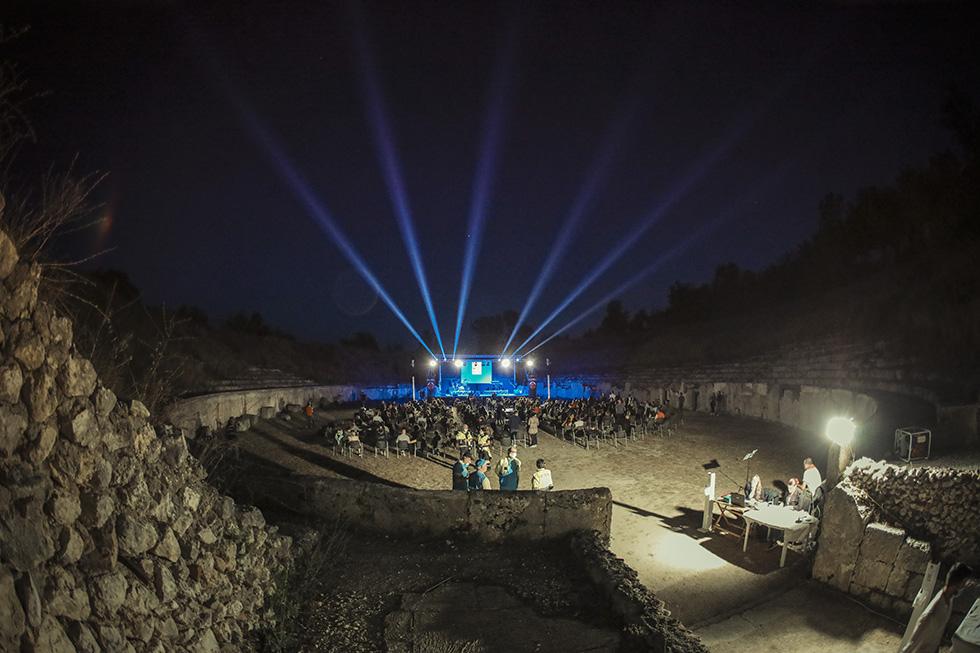 Teatro Off (limits) lancia la campagna di crowdfunding per supportare la nuova stagione estiva ad Alba Fucens