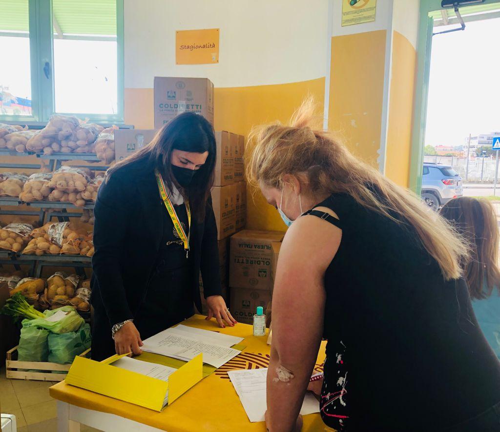 Festa della Mamma, Coldiretti consegna 8mila chilogrammi di alimentari a famiglie bisognose