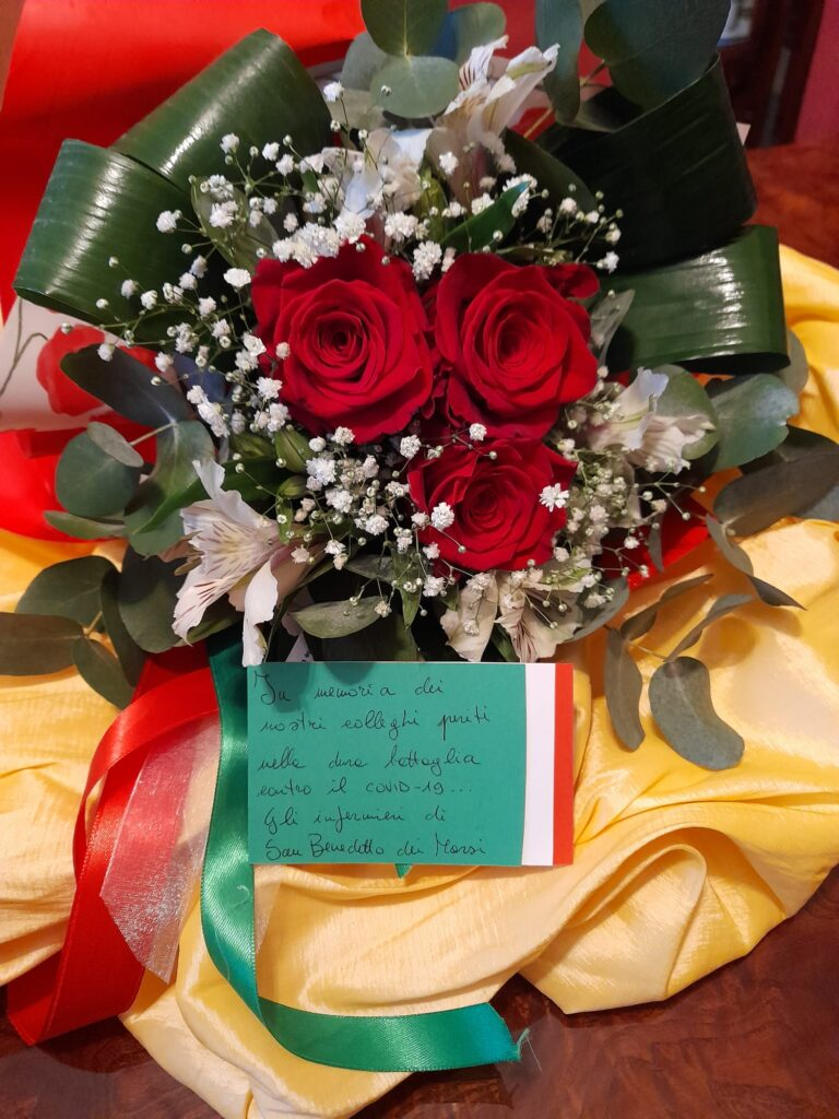 Doppio omaggio Santa Sabina si colora di verde e di rosa per la Giornata internazionale dell'Infermiere e della Fibromialgia