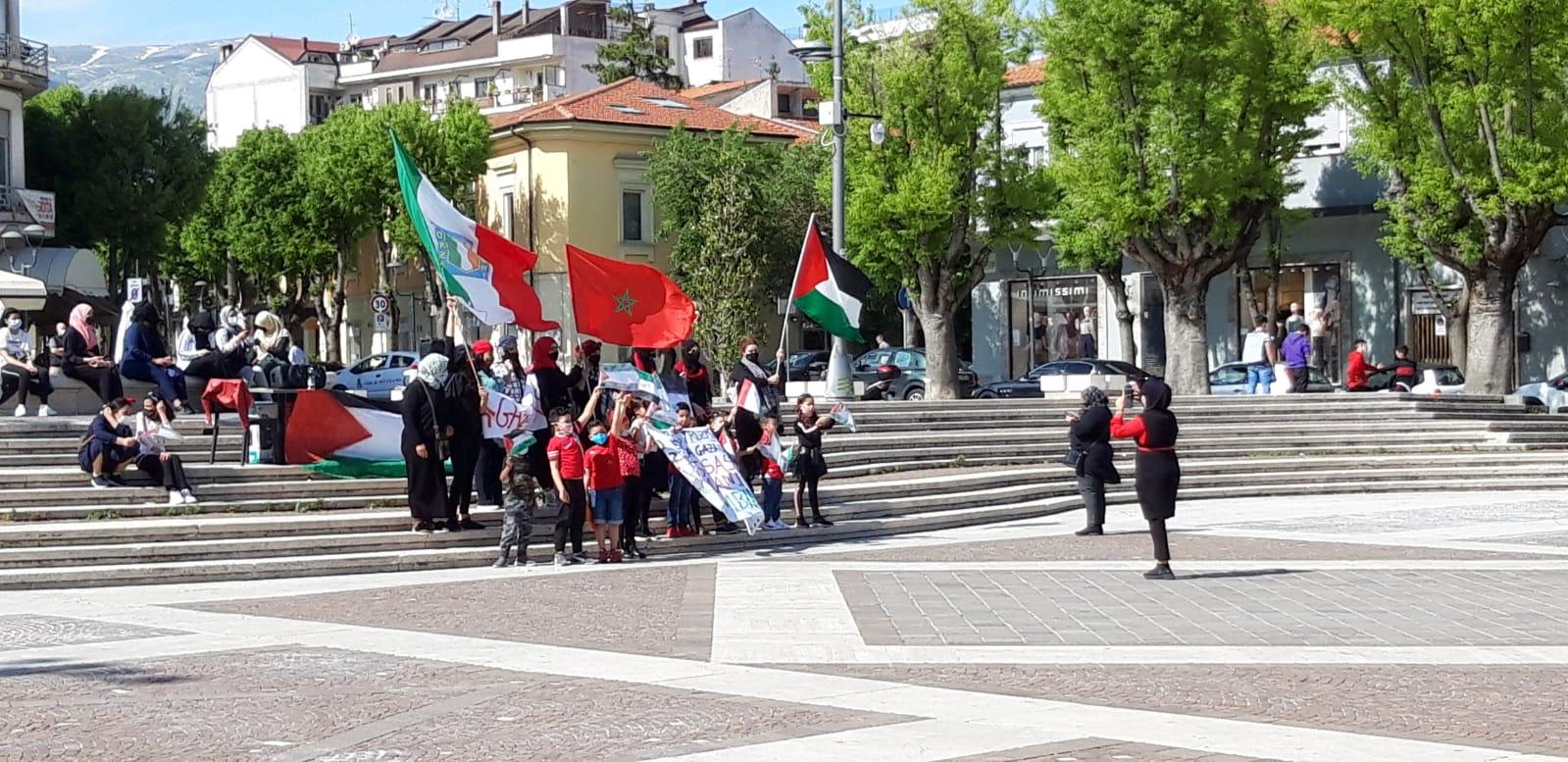 Avezzano, la comunità marocchina scende in piazza a favore della Palestina