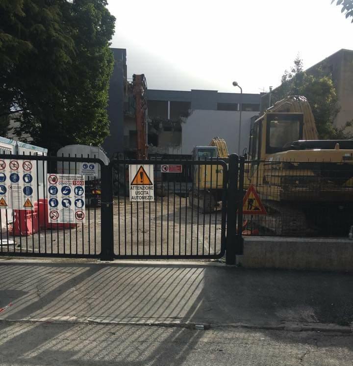 Se ne va un altro pezzettino di storia della città di Avezzano: iniziati i lavori di demolizione dell'edificio ex Standa