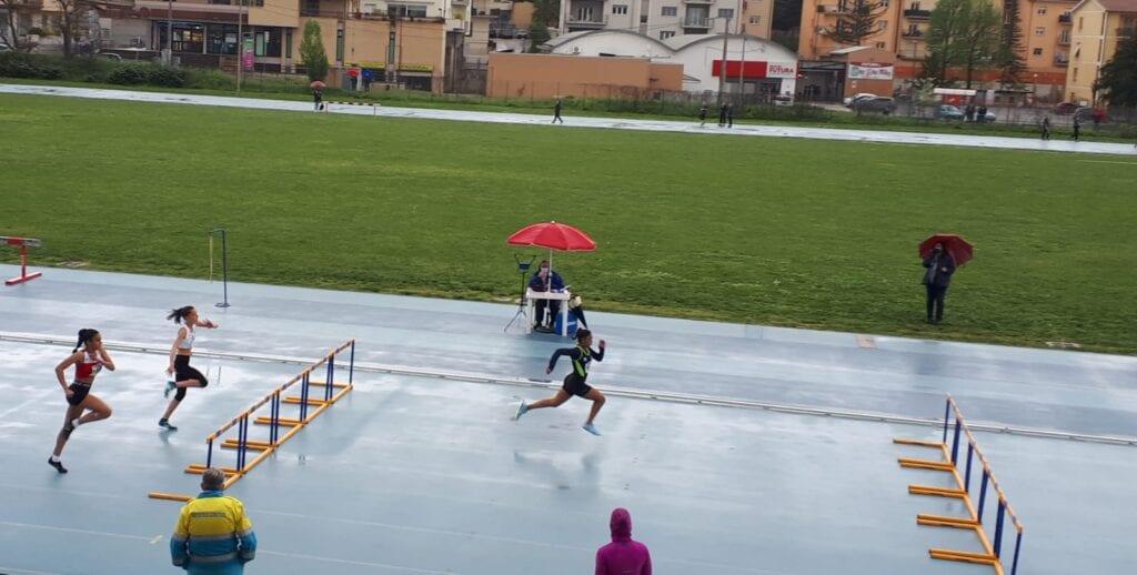 Atletica leggera, record regionale per l'atleta avezzanese Kathelyn Marziale nei 100 metri ostacoli