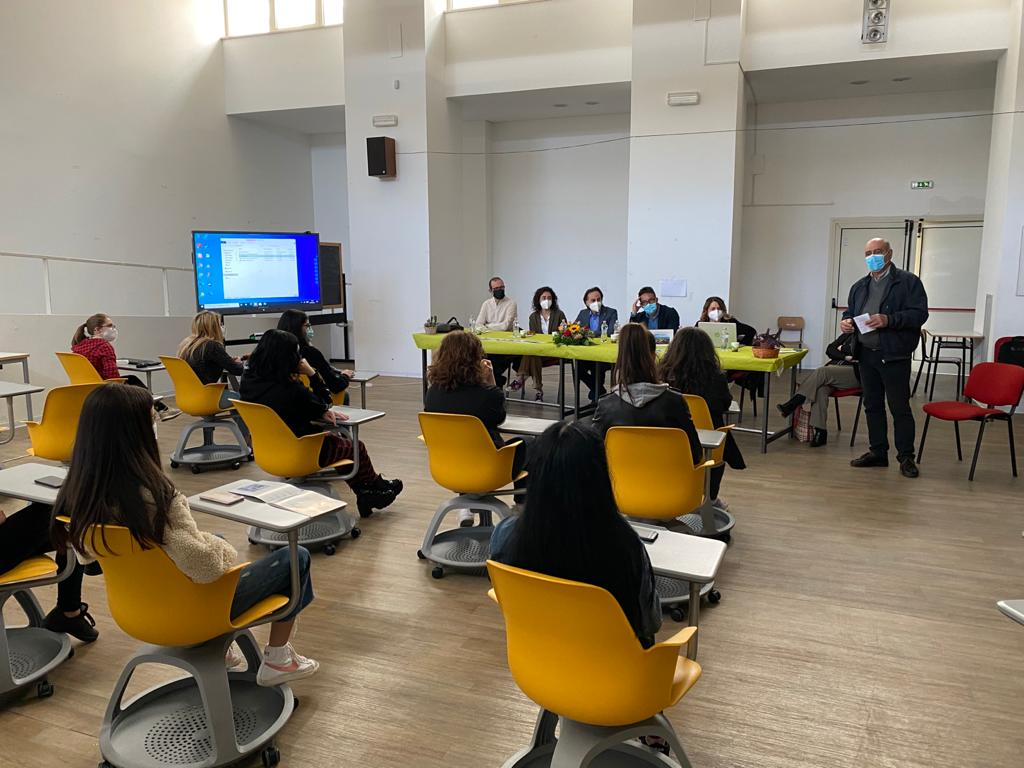 """Convegno al Liceo Croce di Avezzano su """"Borgo Universo Aielli, un esempio di sostenibilità e tutela del patrimonio storico e urbano"""""""