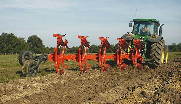 """Sostegno agli agricoltori: 700 mila euro col bando """"Incremento della sostanza organica"""""""